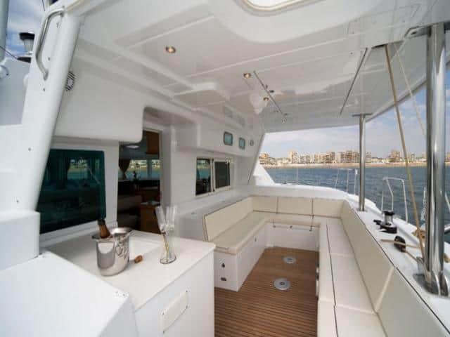 Lagoon 440/ deck area
