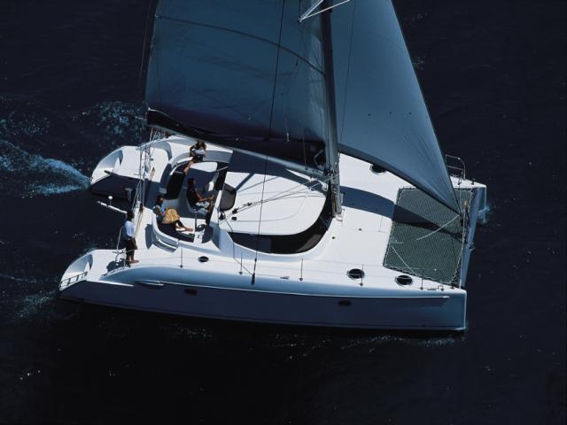 Catamaran Lavezzi 40 on route!