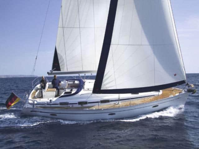 Bavaria 39 Cruiser under sails!