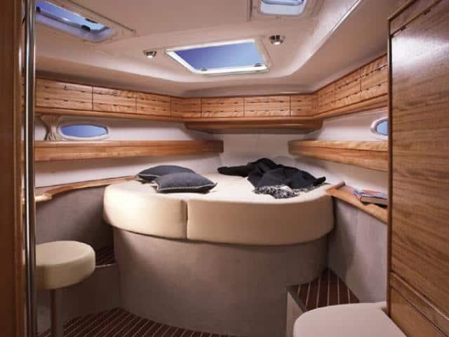Bavaria 50 Cruiser/ Cabin area