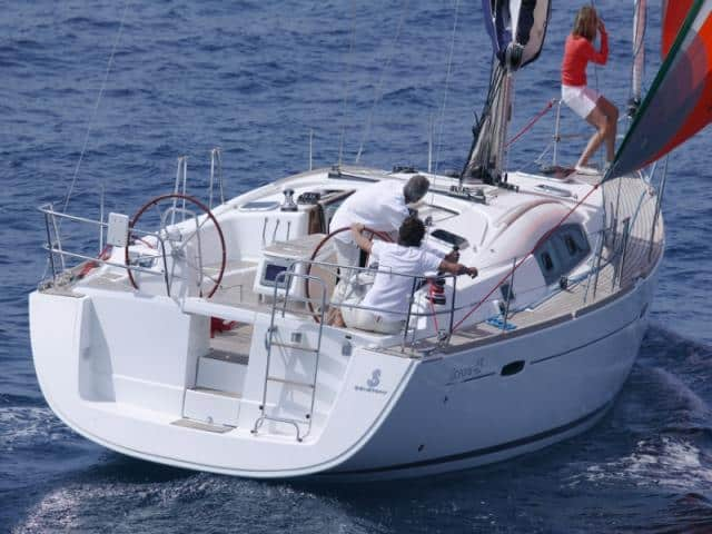 Beneteau Oceanis 43 on sailing!