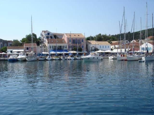 Anchoring is a piece of cake in Kefalonia since there are several protected bays. Otherwise, you can choose one of the mooring places that mentioned in the text.