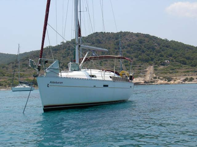 Beneteau Oceanis 331 shooted from the dinghy!