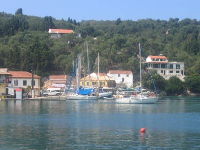 Spetses (or Spetsai) island lies off the Southwest coast of Argolida/ Argolic Gulf.