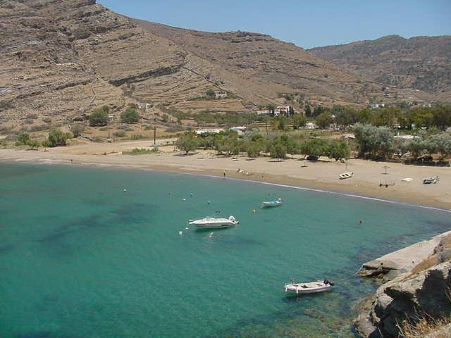 As Kea is one of the largest Cycladic islands, it offers many beautiful beaches and coves! Here, you may view Pisses beach in Kea (Tzia) island.
