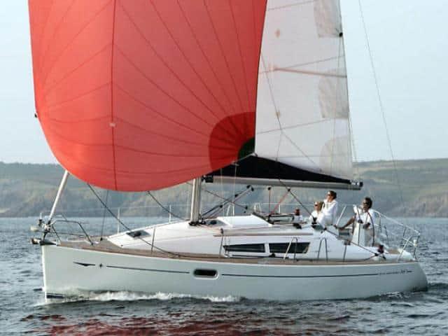 Jeanneau Sun Odyssey 36i on sailing!