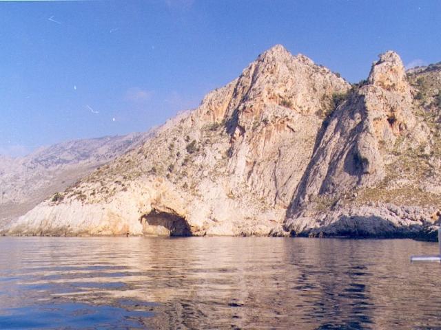 Gioura is small, rocky, awe-inspiring islet located Northeast of Kyra Panagia.