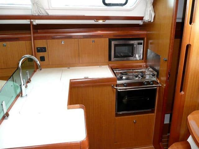 Jeanneau Sun Odyssey 39i/ galley area