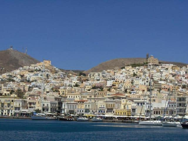 Sailors may moor on the North side of Syros harbour (Ermoupolis).