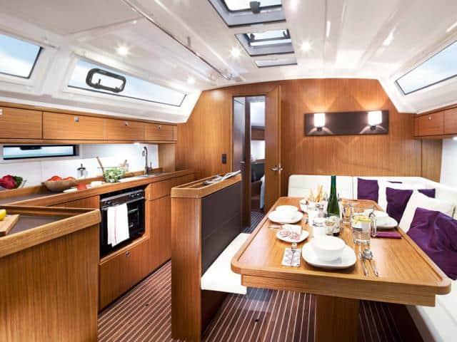 Bavaria Cruiser 46/ Saloon & galley areas