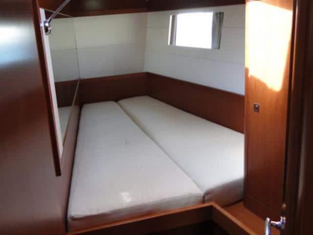 Beneteau Oceanis 48/ Cabin area