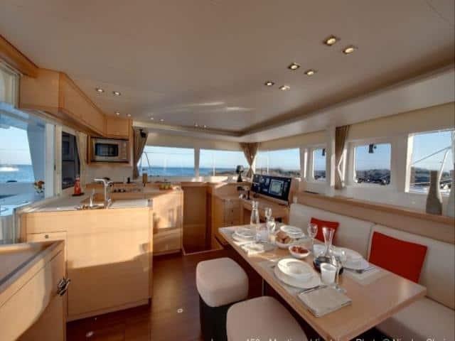 Catamaran Lagoon 450/ saloon & galley area