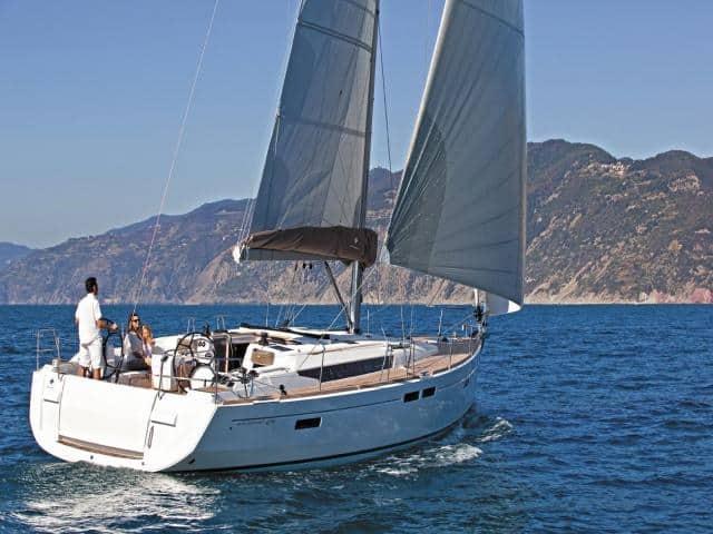 Jeanneau Sun Odyssey 479 under sails!