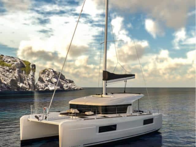 Catamaran Lagoon 40 while on the anchor!